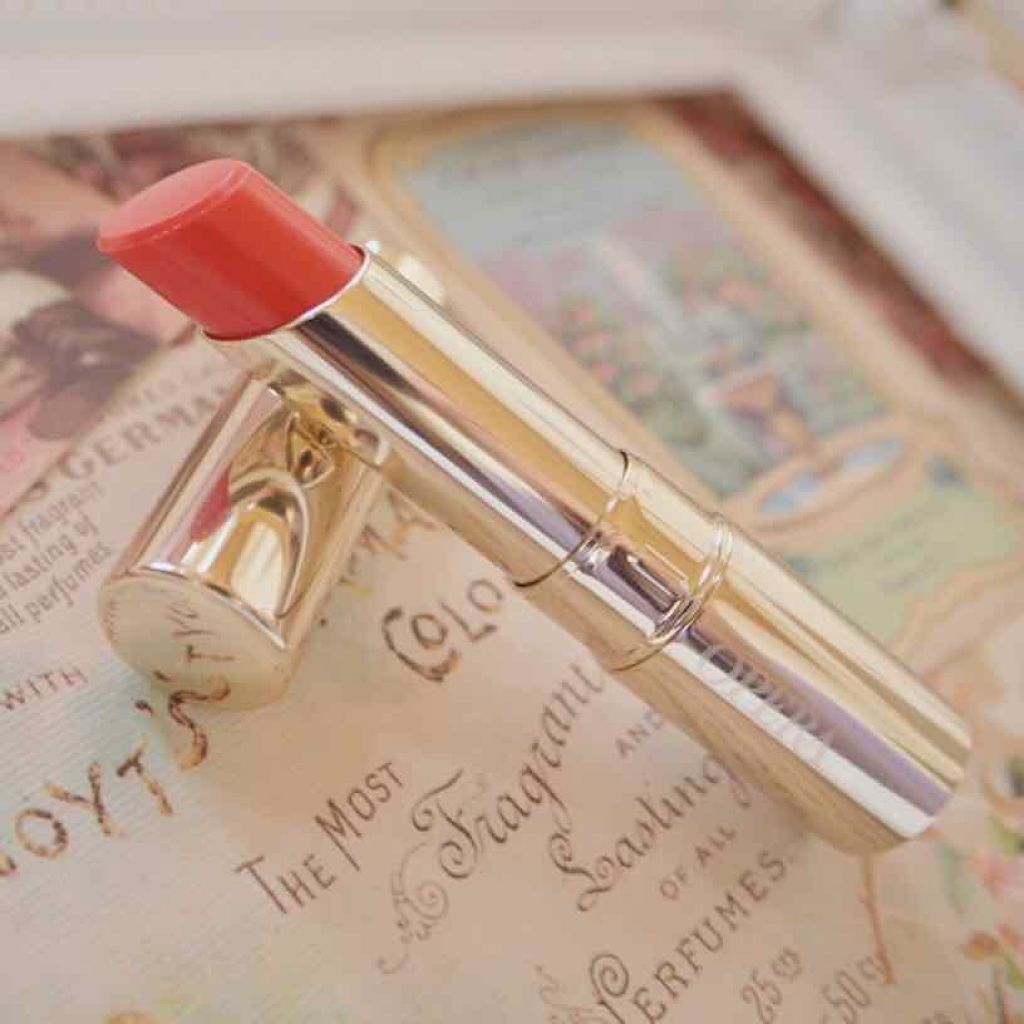 OPERAのコーラルピンクで結婚意識。「花嫁リップ」と呼ばれる理由とPCメイク方法