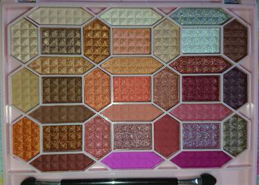 33色プロアイシャドウパレット/Dolly Angel/パウダーアイシャドウを使ったクチコミ(2枚目)