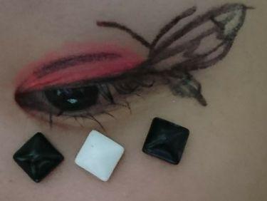 【画像付きクチコミ】私流アートモードメイク蝶々♪※画像2~4枚目は、目のアップ画像です(><)今度は、蝶々を描いてみました(^_^)使ったコスメの一部・目頭→アピュぼのぼのカラーリップペンシルCR04・目尻→アピュぼのぼのクリームチークRD01・目の下、...