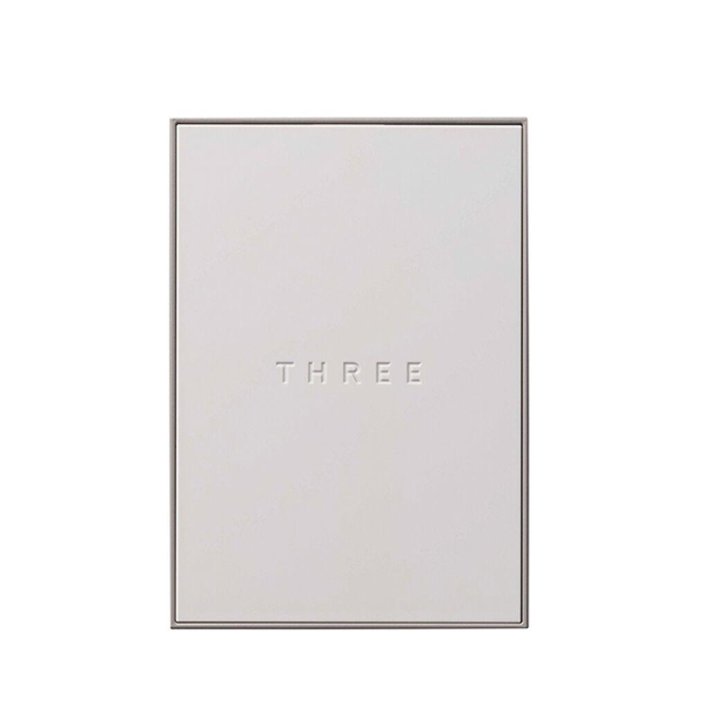 ソーラーティンティドフローパウダー THREE