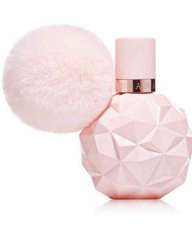 【画像付きクチコミ】空間にひと吹きしてからその下をくぐると優しく甘い香りが漂います。良い香りがすると多くの人に褒められる香水です。他の香水も買いましたが結局これがお気に入りで3回リピしています!#リピートコスメ#はじめての投稿