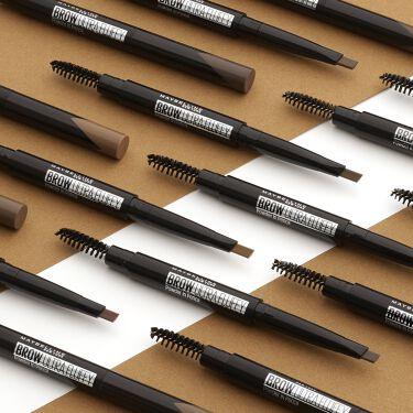 👀ふんわりナチュラル眉といえば、メイベリン👀 ファッションブロウ パウダーインペンシル N  ■□■□■□■□■□■□■□■□  ペンシルなのに、パウダーみたいなふんわり感。 しかも、三角芯で細くも太くも自在に描けるから、 これ1本で簡単!眉尻までキマる😍  なんと・・・ BK-1(自然な黒)新色追加で、全7色展開に! 髪色に合わせて選べて、より自然なふんわり眉に✨  オンラインテスターで あなたに合った色をチェックしてみて😘 https://www.maybelline.co.jp/eye/eye-brow/fashion-brow-powder-in-pencil-n
