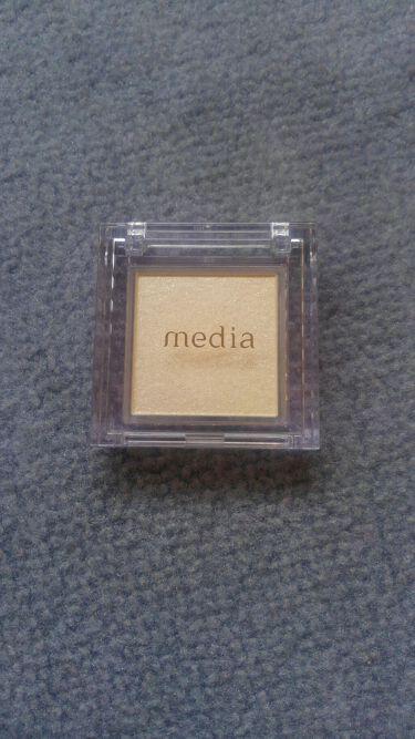 ブライトアップアイシャドウ/media/パウダーアイシャドウを使ったクチコミ(1枚目)