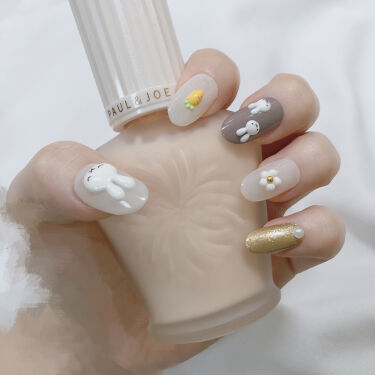【画像付きクチコミ】①ネイルチップを爪切りなどを使い自分のしたい長さにする。ヤスリで整える。②N29ミルクシロップは3度塗りN44シックグレーは2度塗り雑誌付録の金マニキュアを2回塗りその上にLEDライト対応の金を一回塗るその後硬化(私は2色金も重ねまし...