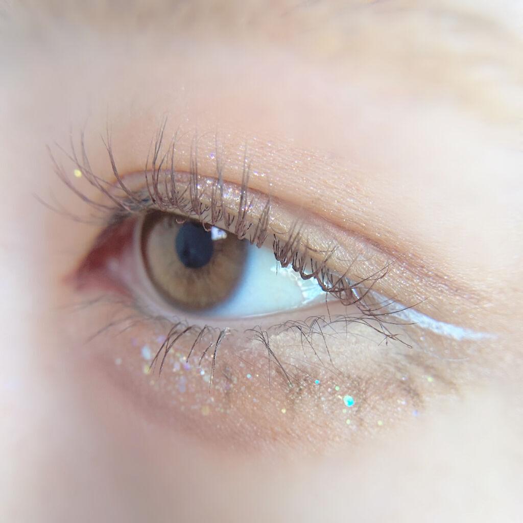目を印象的に見せるには「目尻」が重要!メイクポイントとおすすめコスメ紹介のサムネイル