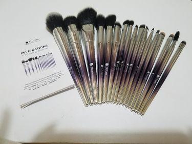 ☪七香.さんの「そのまま!DUcare INSTRUCTIONS 17PC Makeup Brush Set<メイクブラシ>」を含むクチコミ