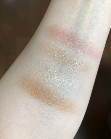 LIMITED EDITION Instant Look in a Palette/CharlotteTilbury/パウダーチークを使ったクチコミ(4枚目)