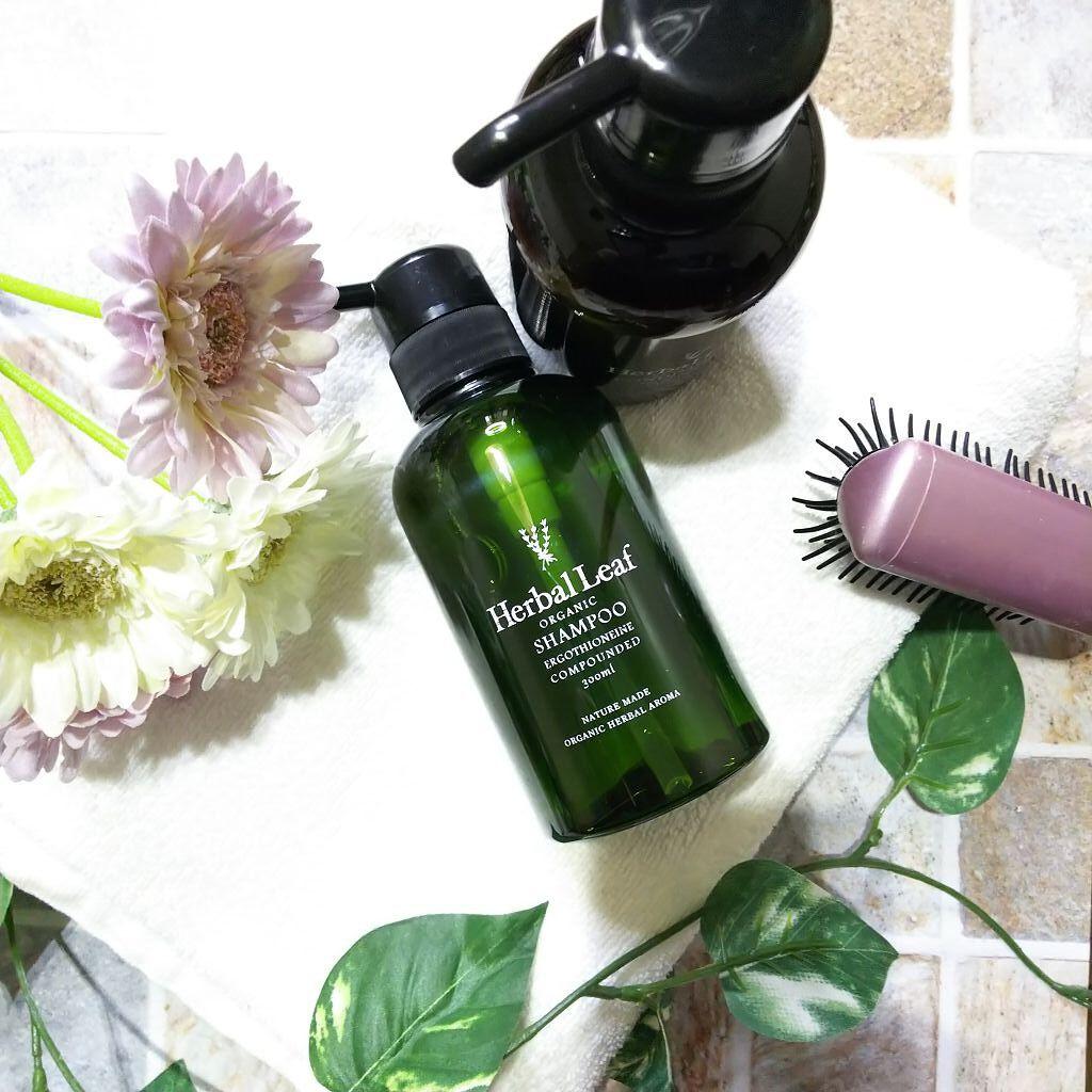 乾燥肌に合うシャンプーでトラブル対策|頭皮の乾燥に効くおすすめシャンプー15選!使い方や選び方も解説!のサムネイル