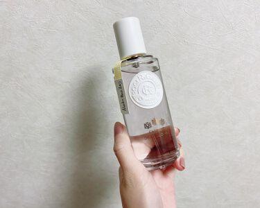 【画像付きクチコミ】ロジェ・ガレエクストレドコロンテファンタジー以前50mlの小さめサイズを購入しましたが、お気に入りすぎて使い切り後100ml購入しました💗50mlにはなかったホワイトカラーのリボン🎀がついていてかわいい…。都会的な香水が苦手な方にもこ...