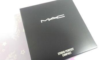 スタジオパーフェクトファンデーションコンパクトN/M・A・C/その他を使ったクチコミ(3枚目)
