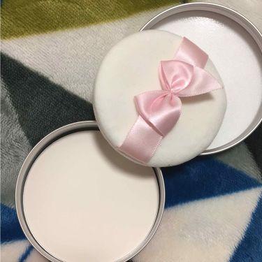 すっぴんパウダー フルーリーブロッサムの香り/クラブ/プレストパウダーを使ったクチコミ(3枚目)