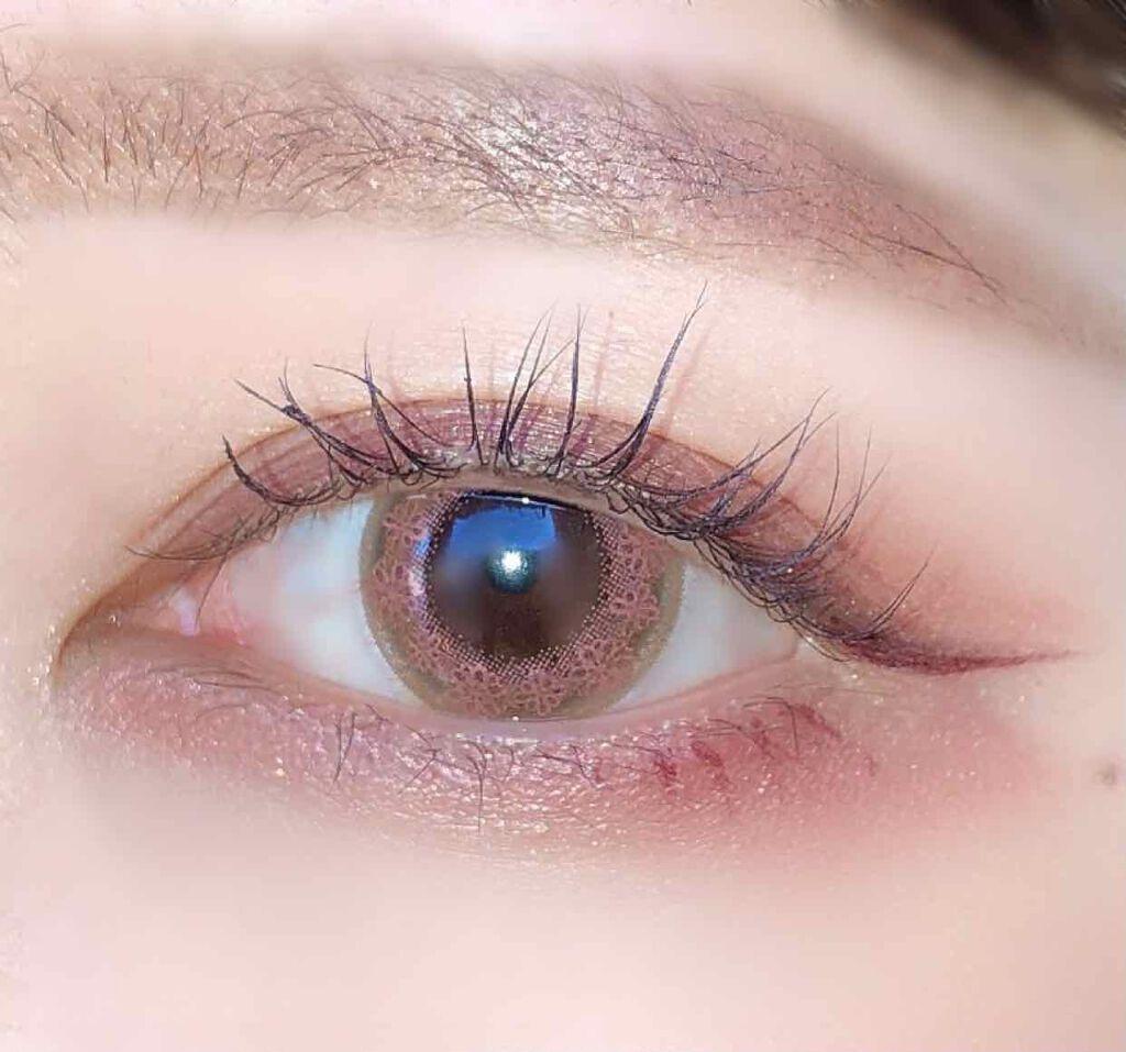 瞳にフェミニンな透明感を!ピンクカラコンおすすめ10選|ナチュラル~コスプレ用までのサムネイル