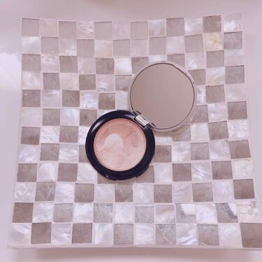 【画像付きクチコミ】乾燥肌にはクリームハイライト!エトヴォスミネラルハイライトクリームコンパクトで持ち運びしやすく、鏡付き!肌が乾燥している時は、クリームハイライトを使用しています。皮脂の多い鼻には、パウダータイプが良いです。ゴールドに近いベージュで肌な...