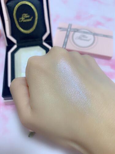 ダイヤモンドライト ハイライター ブラシ/Too Faced/メイクブラシを使ったクチコミ(3枚目)