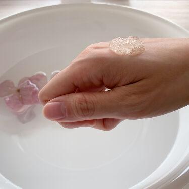 💊湿潤療法💊 「モイストヒーリング」とも呼ばれてる「湿潤療法」はご存じでしょうか。 患部を潤すことで自己治癒能力を高め傷口の治癒に繋げる療法のことです! この湿潤療法をヒントにプルエストマンナンジェリーハイドロウォッシュは作られました✨  美肌の一歩は保湿ケア、ということですね。  ぜひ、プルエストマンナンジェリーハイドロウォッシュで肌活を💖