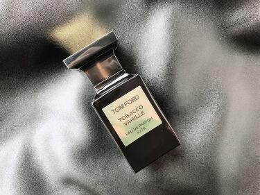 【画像付きクチコミ】TOMFORDBEAUTYタバコ・バニラオードパルファムスプレィ50ml:¥28,000-(税抜)250ml:¥65,000-(税抜)とんでもなくお高い香水。だけれどもその敷居の高さ・価格以上の魅力がこの香水にはぎゅっと詰まっています...