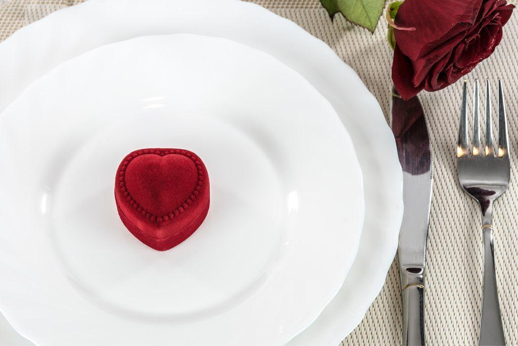 ショコラカラーで甘い顔に♡バレンタインメイクHOWTO