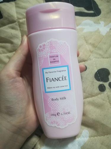 ボディミルクローション ピュアシャンプーの香り/フィアンセ/ボディローションを使ったクチコミ(2枚目)