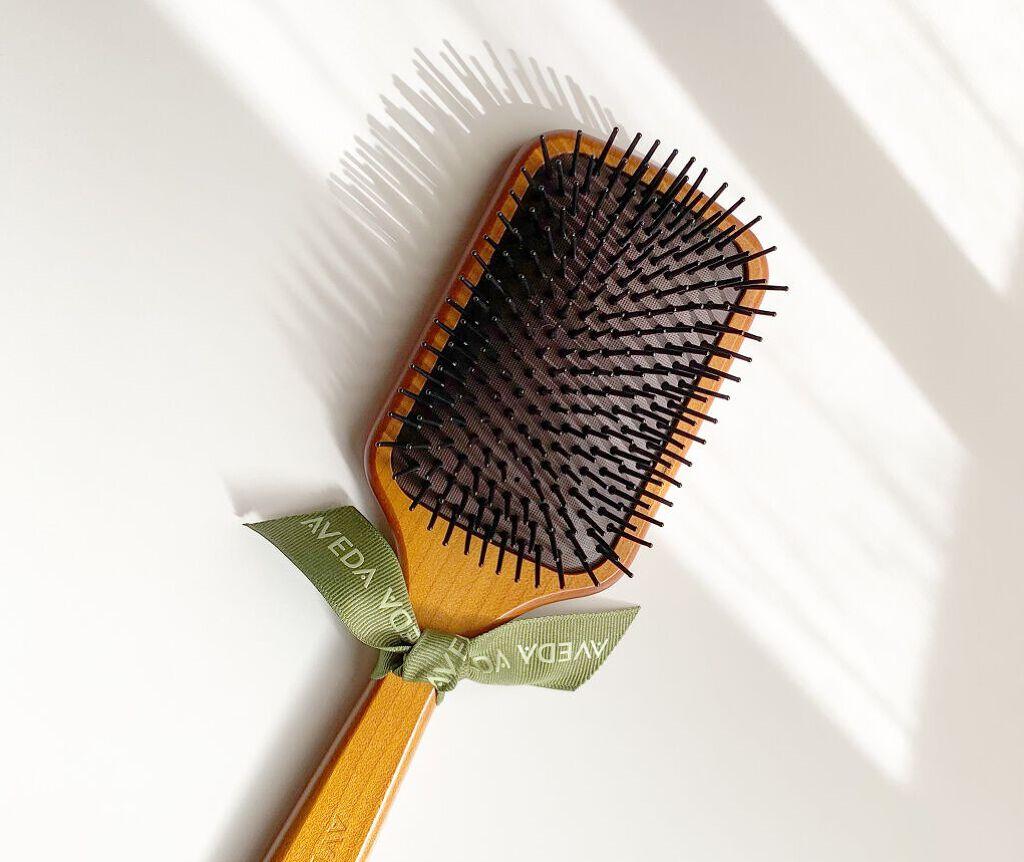 高級ヘアブラシで憧れのサラツヤ髪に! 選び方のポイントとおすすめアイテム11選のサムネイル