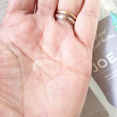 chiyo36 on LIPS 「乳酸菌由来成分は保湿効果が高いとのこと。乾燥しがちな地肌やダメ..」(1枚目)