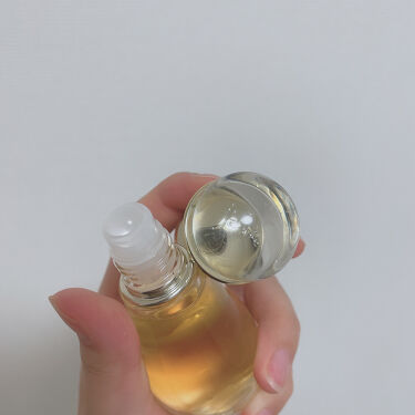 【画像付きクチコミ】友人からの誕プレでいただきました。香水はキツいと感じるものが多いんですが、CHANELのチャンスや、Diorの香水はどれもいい匂いで、イイオンナ感でるので大好きです。こちらの香水は、甘ったるくなくて、割と控えめな香りです。ずっと嗅いで...
