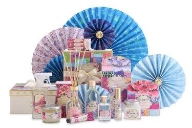 【画像付きクチコミ】【本日発売】日本の古今の融合を表現した『TOKYOLimitedCollection』伝統遊戯である折り紙やポップカルチャーを想わせる鮮やかな彩りで、日本の古今の融合を表現した限定コレクションが6/24(木)に新登場。▼『TOKYOL...