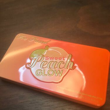 TOO FACED Sweet Peach Glow Peach-Infused Highlighting Palette/Too Faced/メイクアップキットを使ったクチコミ(2枚目)