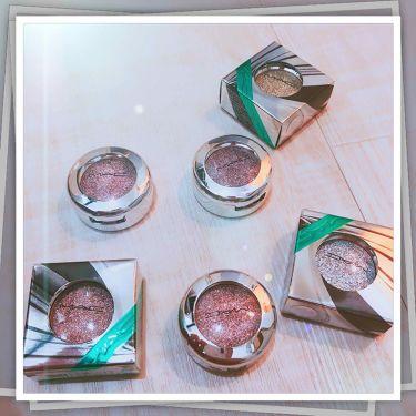シャイニープリティシャドウ【ホリデーコレクション 2018】/M・A・C/パウダーアイシャドウを使ったクチコミ(1枚目)