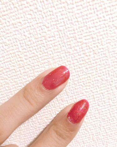 【画像付きクチコミ】#リピートコスメ百均のcandoにあるネイル!今回は赤いラメが入ったものを使ってみました!2度塗りとcandoのトップコートだけでとても綺麗!可愛い!100円で安いから初めてネイルする方に是非👋