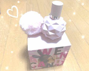 【画像付きクチコミ】誕生日プレゼントでいただいた初の香水💭❥パステルピンクにファーがついている見た目から凄くかわいい…♥匂いは、少し海外のような甘めの香りなので、つけすぎてしまうと鼻にツンときてしまうような…匂いフェチの私にとってはちょぴっとキツめ🤧でも...