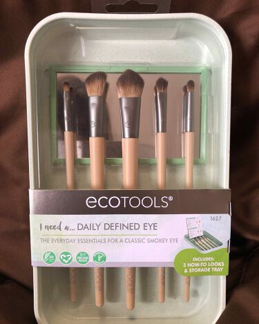 Daily Defined Eye Brush Set, 5 Piece Set & Storage Tray/EcoTools/メイクブラシを使ったクチコミ(1枚目)