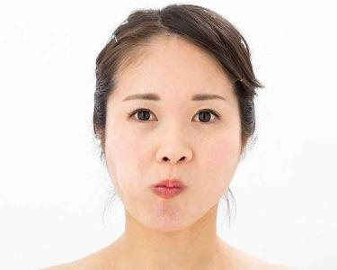 しゅり@小顔専門トレーナー on LIPS 「ダイエットして体重は落ちたのに友だちから「笑ったとき二重アゴだ..」(2枚目)