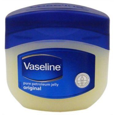 【画像付きクチコミ】今日は、DAISOのハトムギ化粧を紹介します!この商品百均なのにすごくつけやすいです!水っぽいので「乾燥が...。」と思う人がいると思いますが、そんなことはありません!この商品トリートメントタイプだから想像以上に保湿されます!私がして...