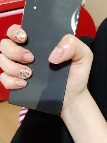 【画像付きクチコミ】#最近のネイル元気の出るネイル💅キャンメイクのピンク系を親指中指小指に塗り、爪の根元にゴールドのキラキラをのせました。人差し指と薬指には 手持ちのカラフルなネイルポリッシュを筆にとって🖌️ポンポンと適当にのせました。こちらにもゴールド...