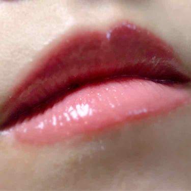 【画像付きクチコミ】⚠️2枚目唇のアップ写真あり⚠️RMKのカラーリップグロスにハマって2本目の購入〜ブルベも使いやすいコーラルカラーだと思う!これからの季節白いトップスと合わせてこのグロス使いたいです♡色持ちも欲しいからティントと合わせよっかな?気にな...