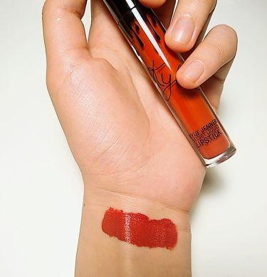 ベルベット リキッド リップスティック/Kylie Cosmetics/口紅を使ったクチコミ(2枚目)