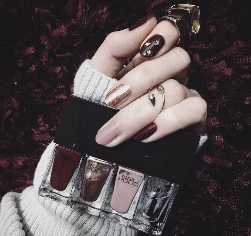 爪先まで綺麗なモテ女子に♡LIPSで人気のネイルカラーをチェック!のサムネイル