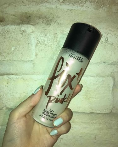 プレッププライムフィックス+ピンクライト/M・A・C/ミスト状化粧水を使ったクチコミ(3枚目)