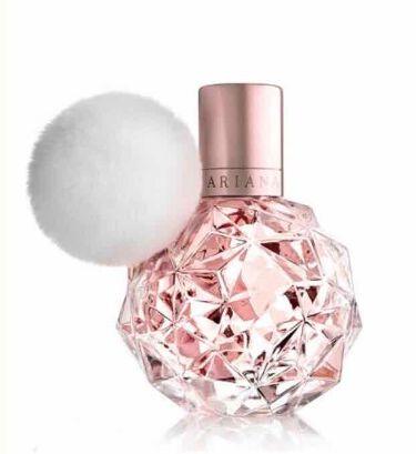【画像付きクチコミ】アリアナ・グランデ💕プロデュース香水💕追加で2つ買ってきました🥰「アリ」の方だけショーケースに入っていて香り確認できなくて開けてもらいテスタークンクン👀❣️「え、買う」ってなりました(笑)私は甘い香りからスパイシーな香りまで香りのスト...
