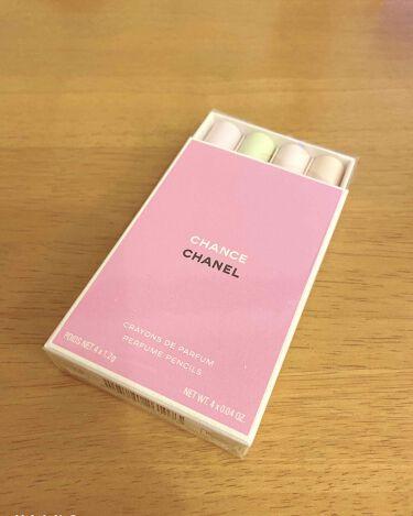 【画像付きクチコミ】チャンス クレイヨン ドゥ パルファム セット税抜9400円 税込10340円練り香水です。モデルプレス見てから絶対買うって決めてた商品です!くり出し式のペンシルタイプ、シャネルの香水がそのまま固形になりました。BAさんには、シャネル...