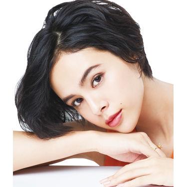 今注目の女性モデル・大屋夏南さんの愛用コスメが知りたい!