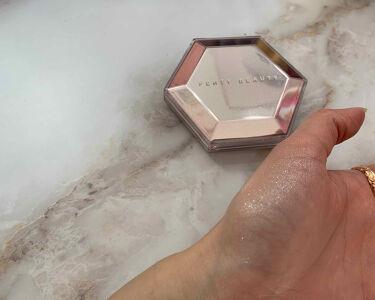 DIAMOND BOMB/FENTY BEAUTY BY RIHANNA/パウダーアイシャドウを使ったクチコミ(3枚目)
