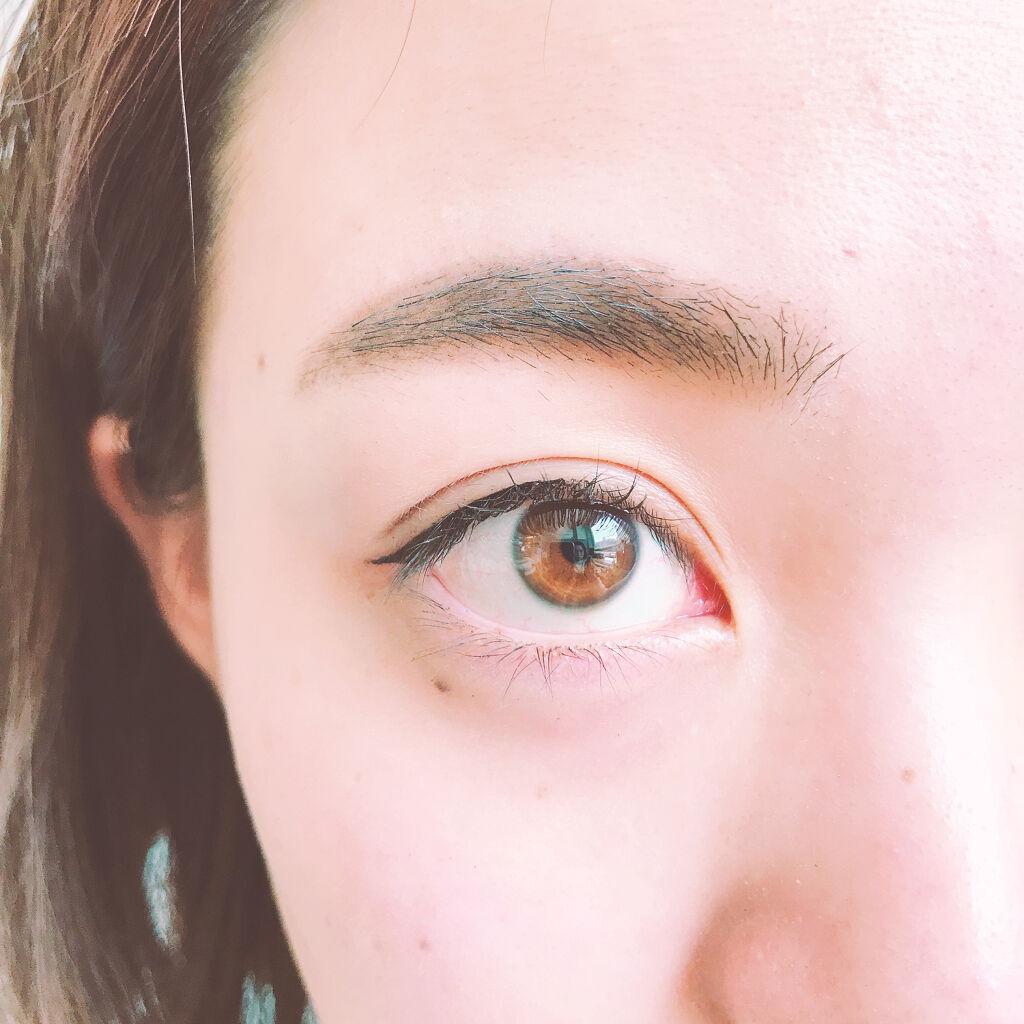 目と眉毛の間を近付けて理想の美人顔に!狭くする方法や広い・狭い人のメイク方法も解説のサムネイル