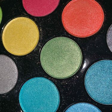 Carli  Bybel Palette/bh cosmetics/パウダーアイシャドウを使ったクチコミ(3枚目)