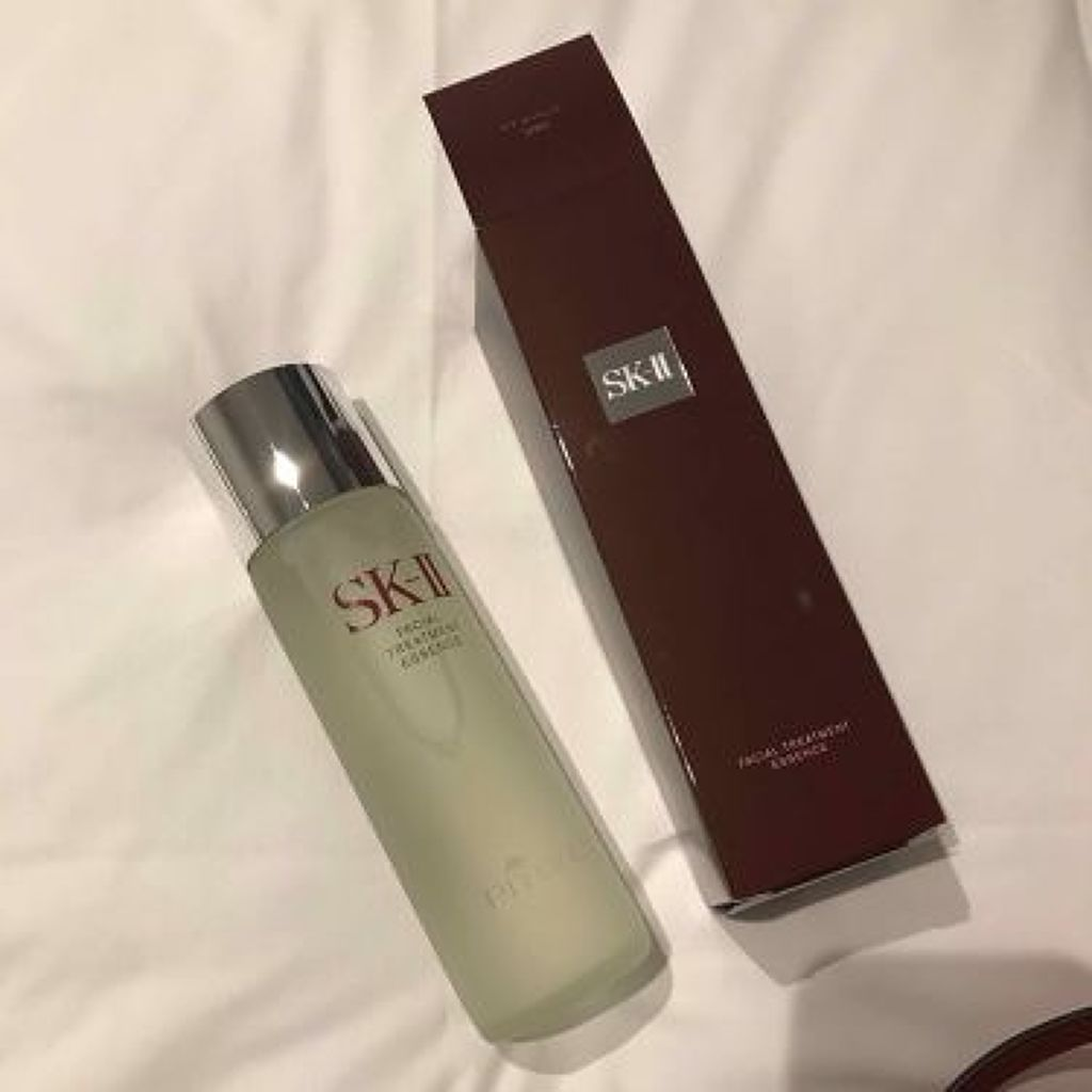 シミにおすすめの化粧水特集|正しい化粧水の使い方も解説!のサムネイル