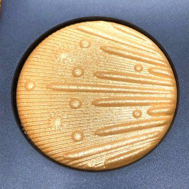 フラッシング アイス エクストラ ディメンション スキンフィニッシュ トリオ ミディアム ディープ/M・A・C/ハイライトを使ったクチコミ(6枚目)