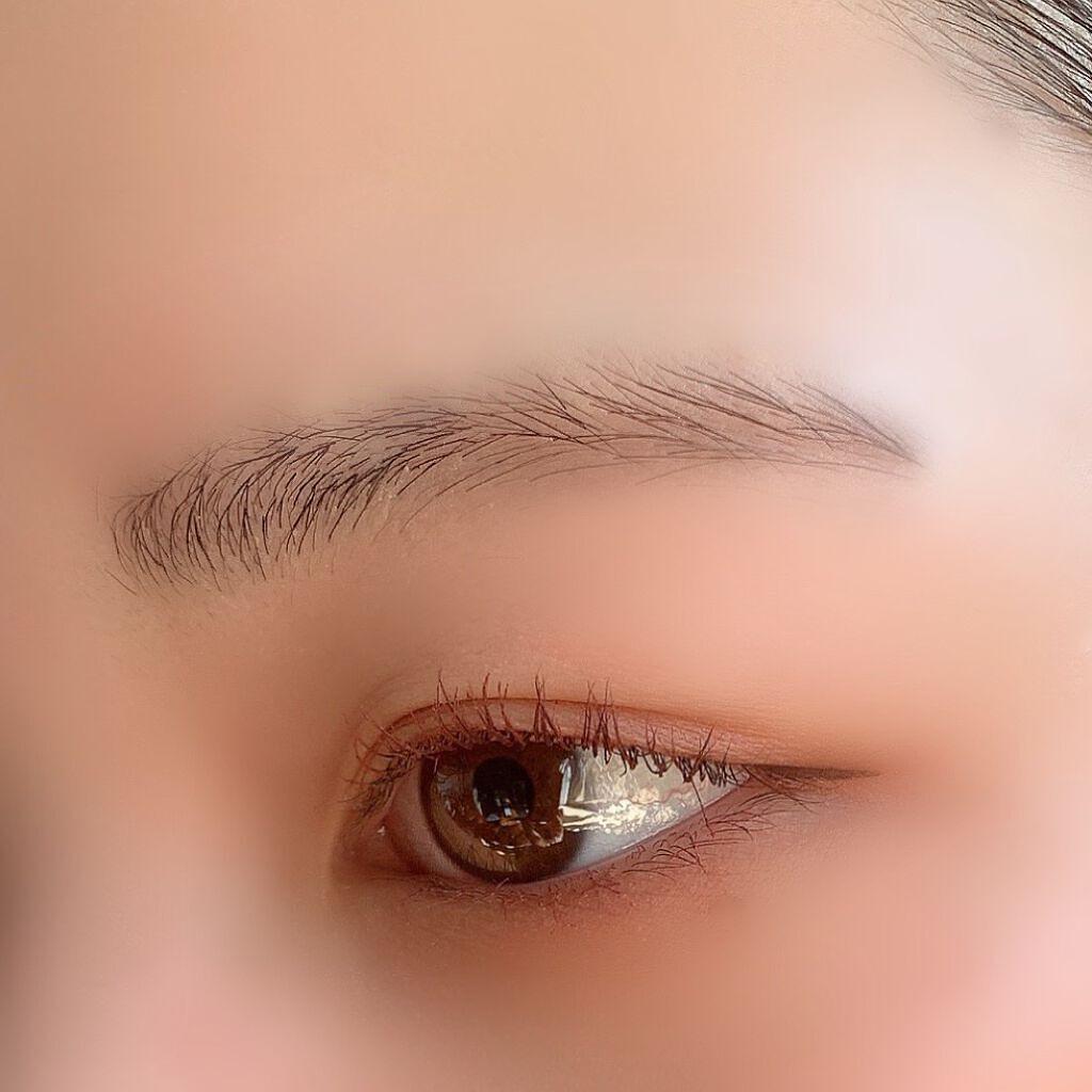 周りに聞きにくい「眉毛」をセルフで手軽に脱毛する方法とは?注意点やおすすめアイテムも伝授!のサムネイル