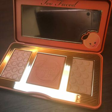 TOO FACED Sweet Peach Glow Peach-Infused Highlighting Palette/Too Faced/メイクアップキットを使ったクチコミ(1枚目)