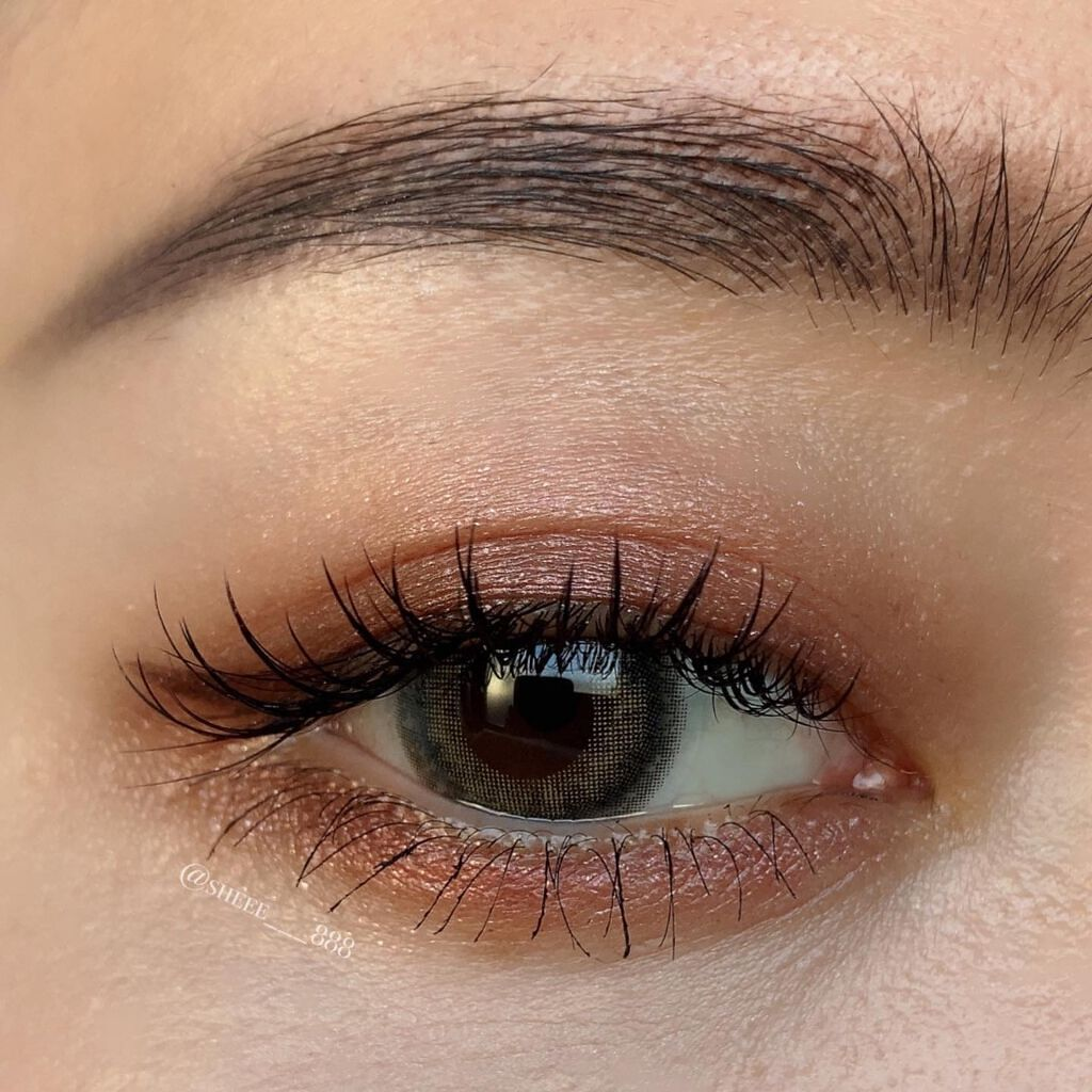眉メイクで重要な「眉頭」整え方&描き方のポイント解説【濃い方薄い方も要チェック】のサムネイル