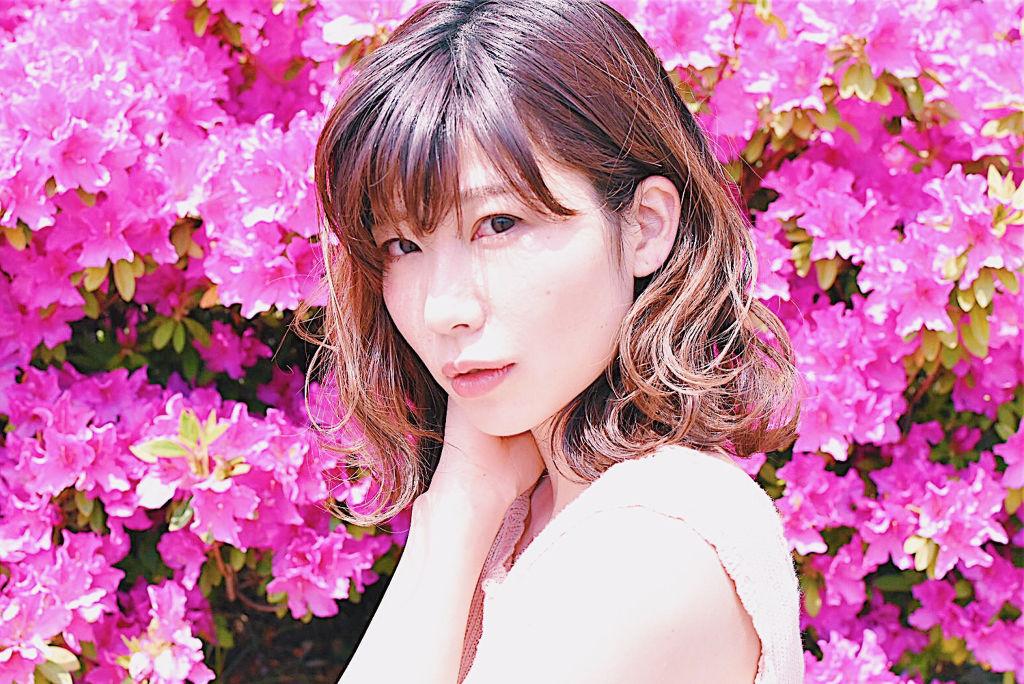 おしゃれな人は知っている。イエベ春に似合う色|おすすめコスメ・アイシャドウ~髪色・ファッションのサムネイル